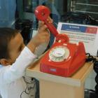 Kisgyerek tárcsás teledonnal, az NJSZT ITK-ban. Fotó: NJSZT